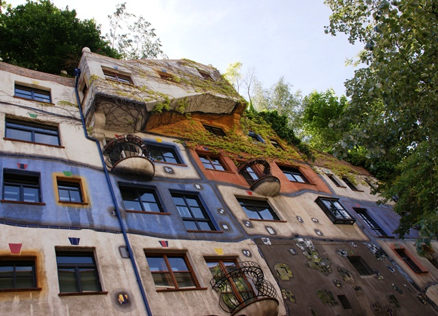 15 dom Hundertwassera