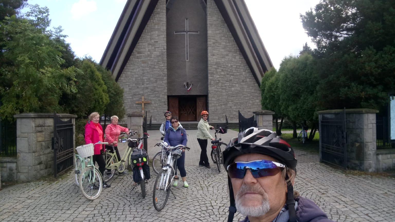 Wycieczka rowerowa od Rajczy do Żywca, 06.10.20r pod przewodnictwem opiekuna sekcji p.Mariana Piątkowskiego i p.Haliny Bąk.